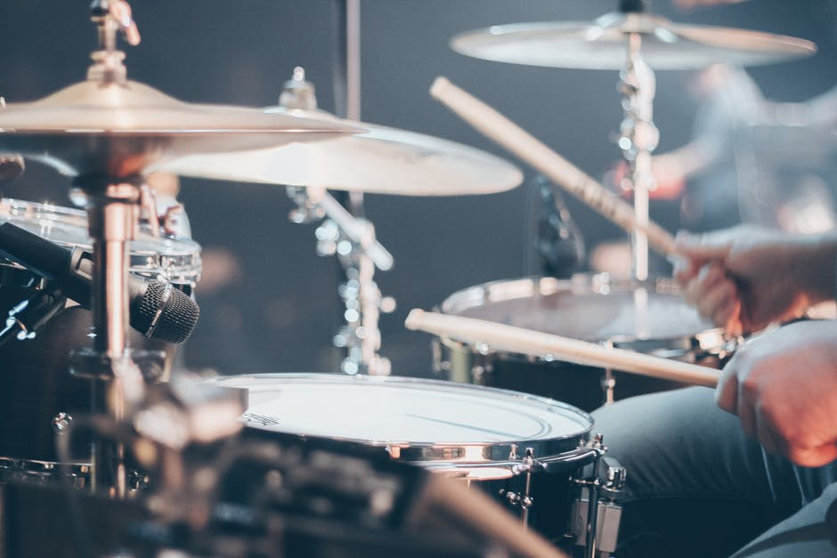 Reasons to Hire a Band for Your Wedding Reception